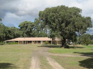 Rear Retreat Centre